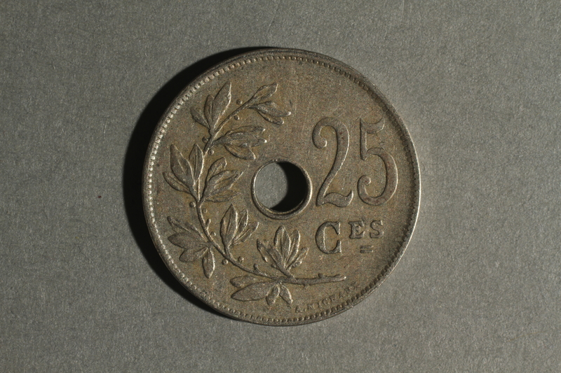 1988.106.1.22 back Belgium currency, 25 centimes coin