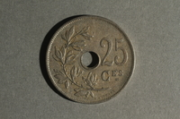 1988.106.1.22 back Belgium currency, 25 centimes coin  Click to enlarge