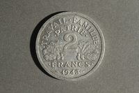 1988.106.1.27 back France currency, 2 francs coin  Click to enlarge