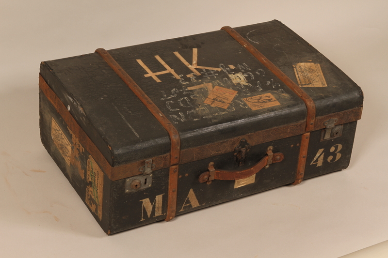 2000.546.1 front Suitcase used by a Jewish family for their flight from Germany