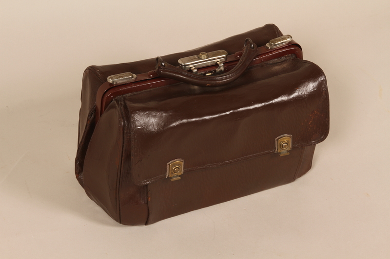 2001.343.1 front Doctor's bag