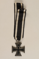 1989.113.38 back WWI Iron Cross 2nd Class medal awarded to a Jewish veteran  Click to enlarge