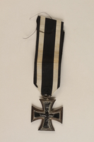 1989.113.39 front WWI Iron Cross 2nd Class medal awarded to a Jewish veteran  Click to enlarge
