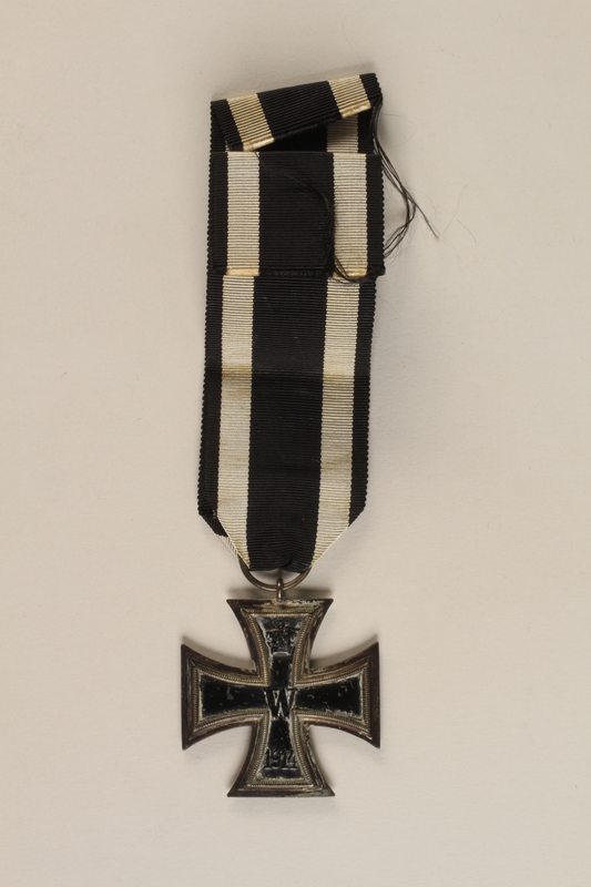 1989.113.39 back WWI Iron Cross 2nd Class medal awarded to a Jewish veteran