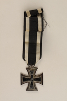 1989.113.39 back WWI Iron Cross 2nd Class medal awarded to a Jewish veteran  Click to enlarge