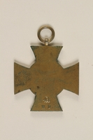 2004.388.2 back Honor Cross of the World War 1914/1918 non-combatant veteran service medal awarded to a German Jewish soldier  Click to enlarge