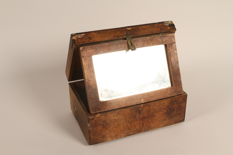 2004.630.4 open Handcrafted wooden box with inlaid text and a mirror made in the Łódź Ghetto