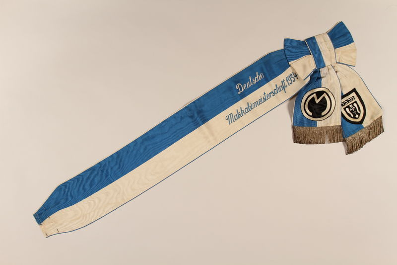 1996.A.0372.2 front Blue and white sash