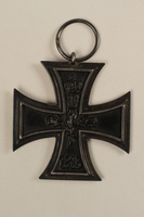 2005.492.2 front World War I Iron Cross medal that belonged to a Jewish veteran and concentration camp inmate  Click to enlarge