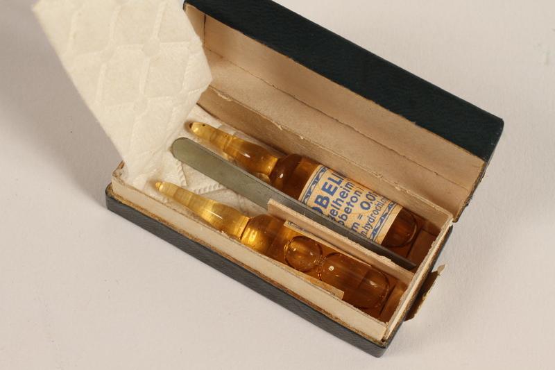 2005.579.21_g open Medical field sterilizer kit used by a German Jewish refugee nurse and postwar aid worker