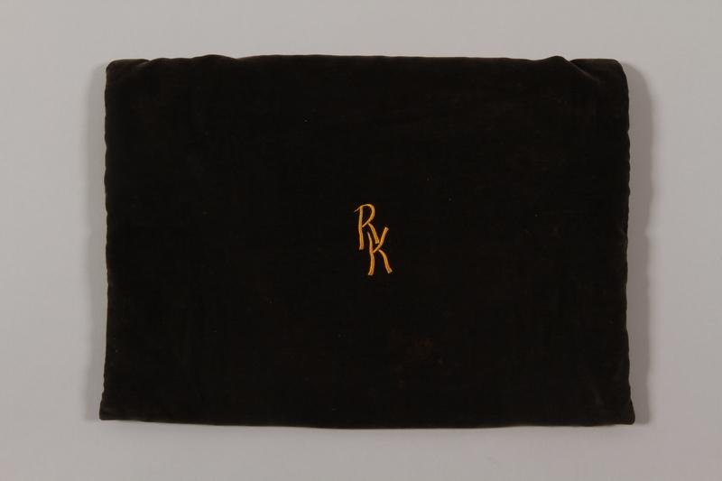 2015.365.10 front Tallit bag carried by a Kindertransport refugee
