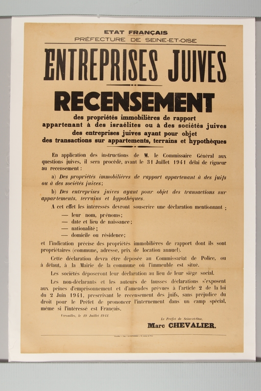 2015.448.3 front Poster announcing a Jewish Community census