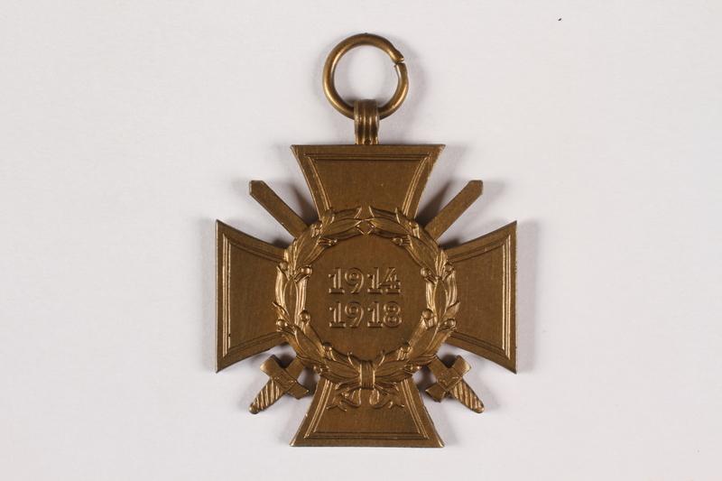 2015.415.4 front World War I medal awarded to a Jewish German veteran