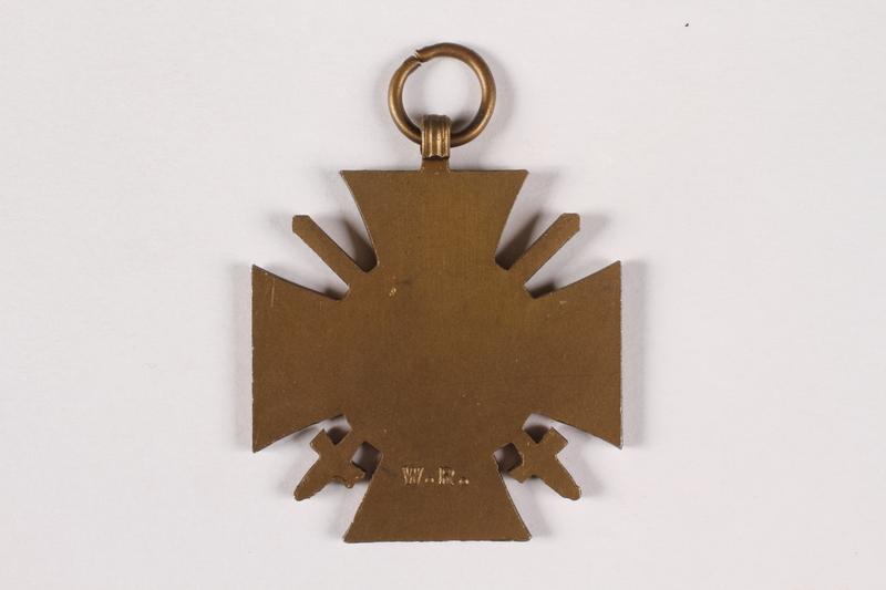 2015.415.4 back World War I medal awarded to a Jewish German veteran
