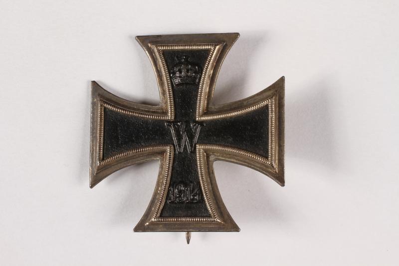 2015.415.5 front World War I medal awarded to a Jewish German veteran