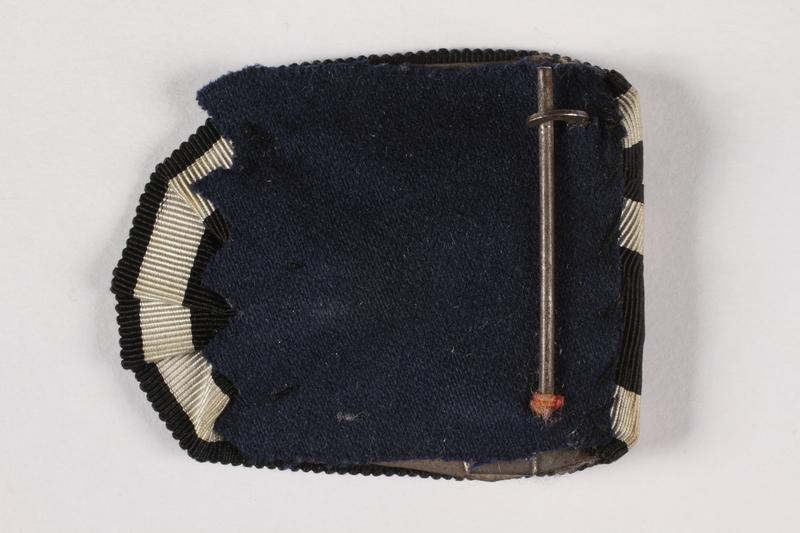 2015.415.8 back World War I blue and white ribbon awarded to a Jewish German veteran