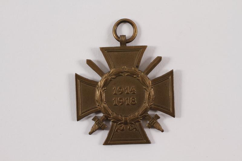 2010.514.13 front Medal