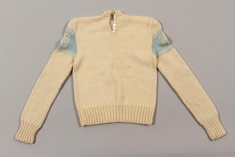 2015.451.21 back Sweater