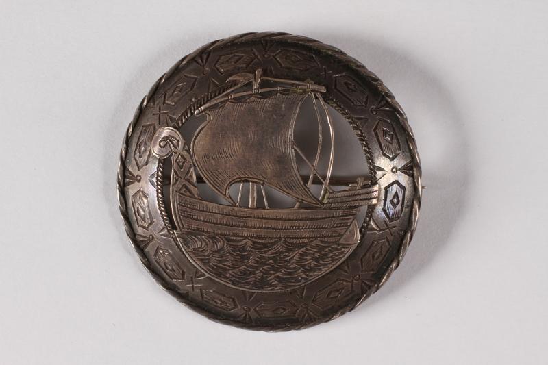 2015.451.40 front Estonian silver pin