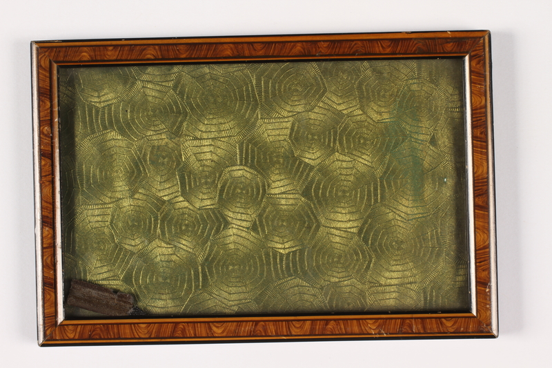 2004.485.50 front Green photograph frame