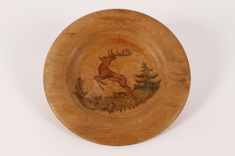 2015.451.54 front Decorative painted wooden plate