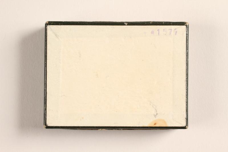 2004.614.2 bottom Pastilles au Menthol-Cocaine-Borax box