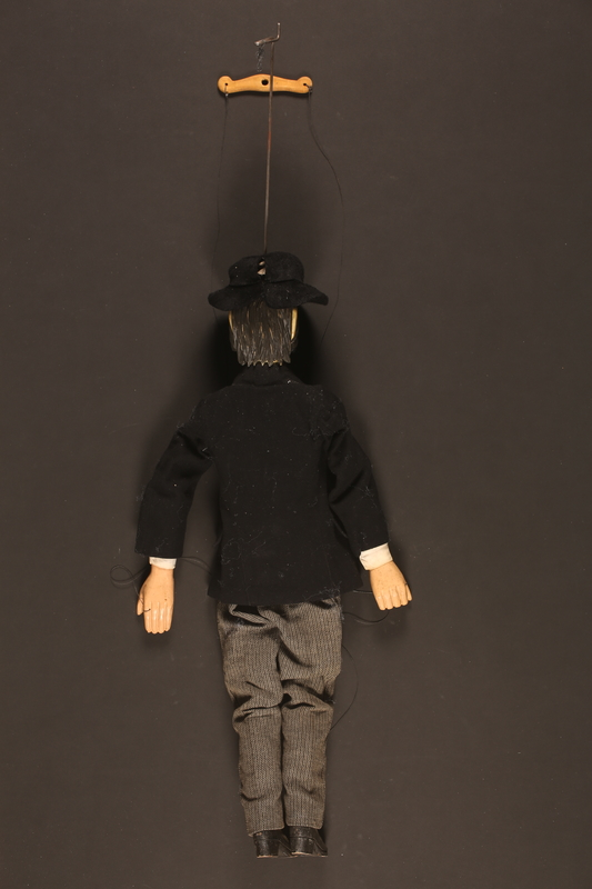Wooden marionette dressed as a Jewish banker - Collections