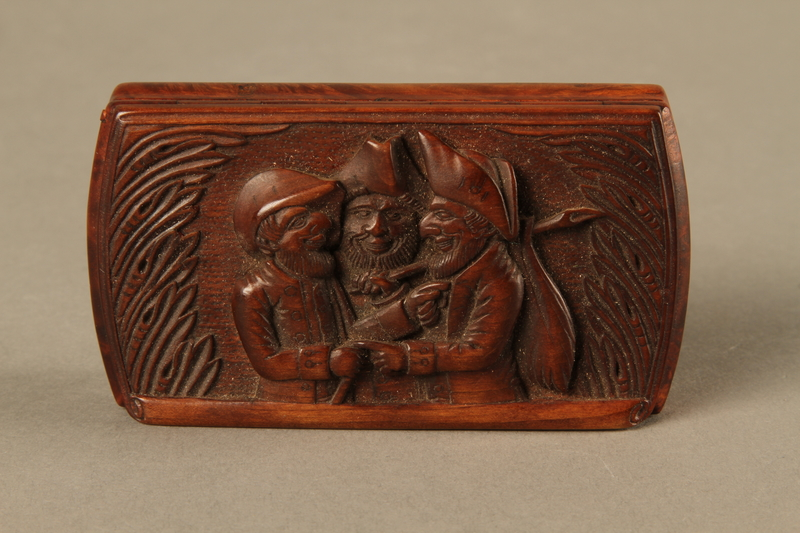 2016.184.43 top Carved rosewood snuff box with an image of three Jewish hareskin dealers