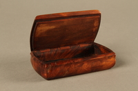 2016.184.43 open Carved rosewood snuff box with an image of three Jewish hareskin dealers  Click to enlarge