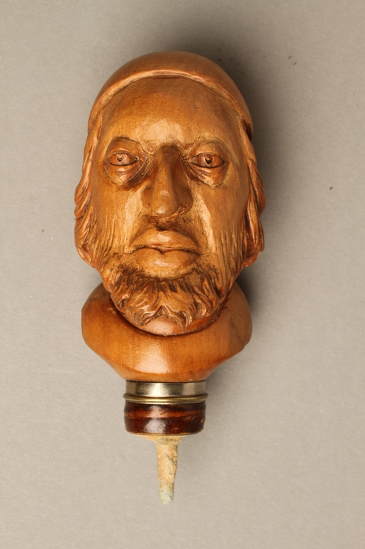 2016.184.59 front Wooden walking stick knob carved as Fagin's head