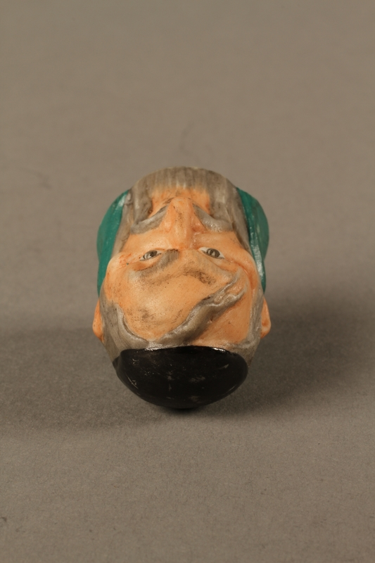 2016.184.75 top Thimble of Fagin's head by Harmer Sculptures