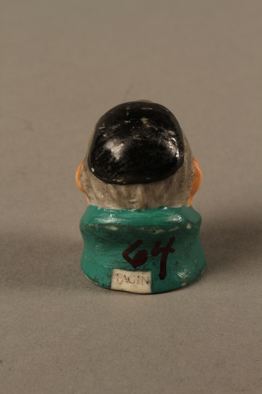2016.184.75 back Thimble of Fagin's head by Harmer Sculptures