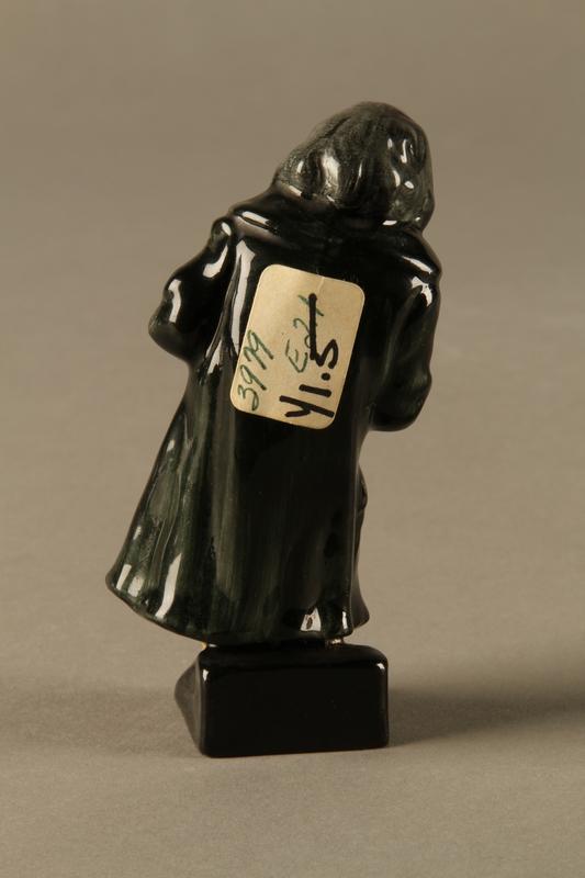 2016.184.81 back Royal Doulton Fagin figurine