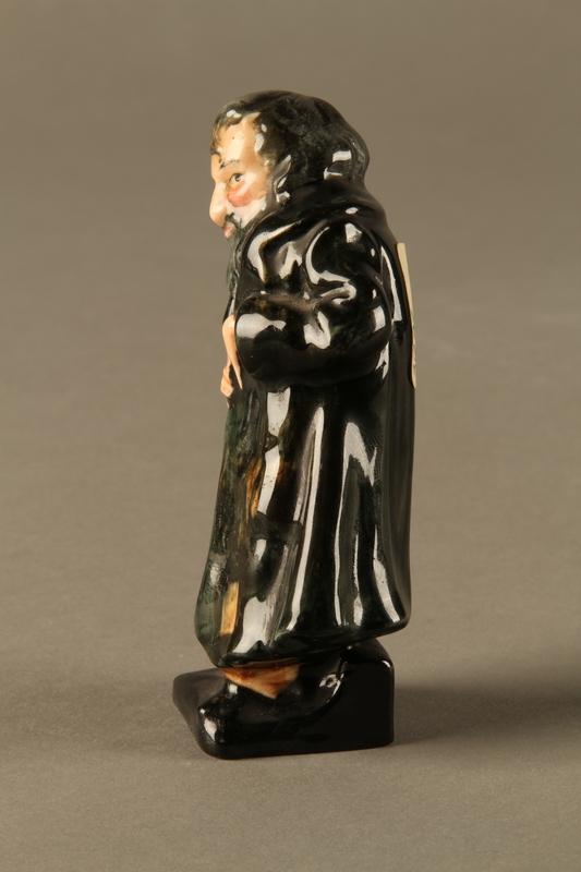 2016.184.81 left side Royal Doulton Fagin figurine