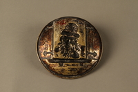 2016.184.112 back Bronze dish of a Jewish peddler at an open window  Click to enlarge