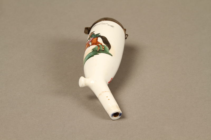 2016.184.115a bottom German Gesteckpfeife style tobacco pipe and porcelain bowl with an antisemitic image