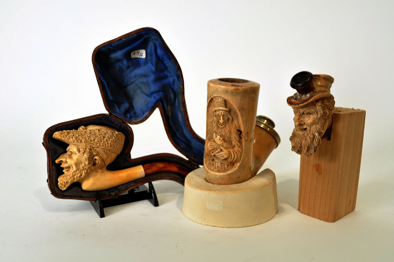 Meerschaum pipe with the bowl carved as a Jewish man's head, with case