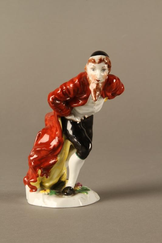2016.184.123 front Capodimonte figurine of a Jewish gentleman