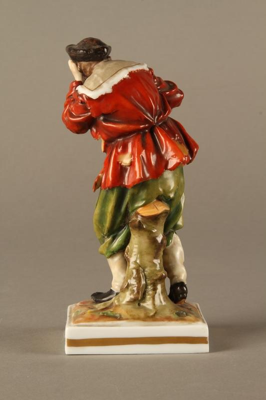 2016.184.124 back Ginori porcelain figurine of the Wandering Jew