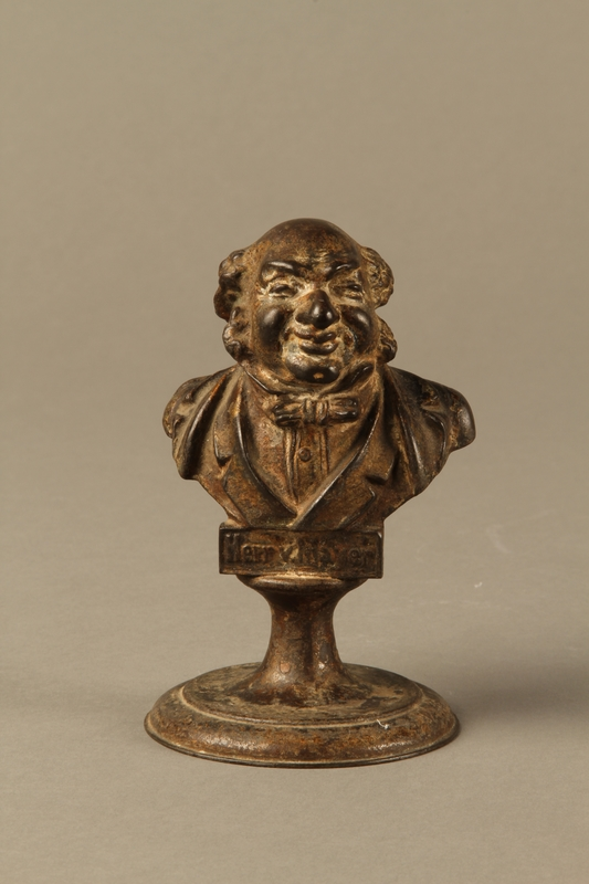 2016.184.136 front Bronze bust of a bourgeois Jewish businessman