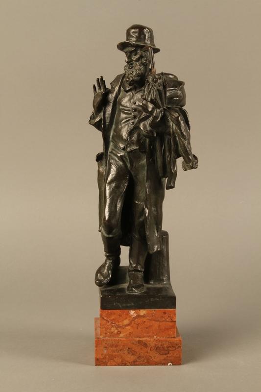2016.184.142 front Bronze figure of a Jewish peddler by Anton Mashik