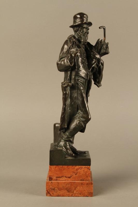 2016.184.142 right side Bronze figure of a Jewish peddler by Anton Mashik