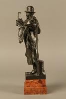 2016.184.142 left side Bronze figure of a Jewish peddler by Anton Mashik  Click to enlarge