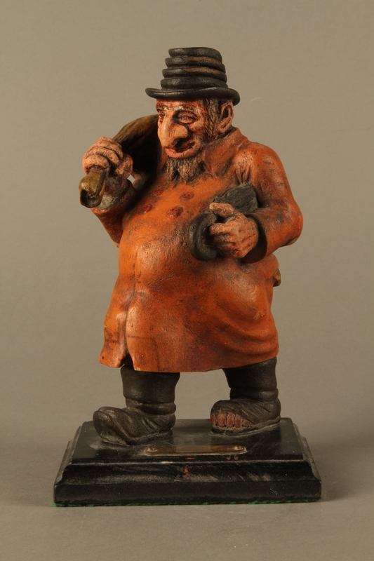 2016.184.152.3 front Painted wooden figurine of a Jewish schnorrer