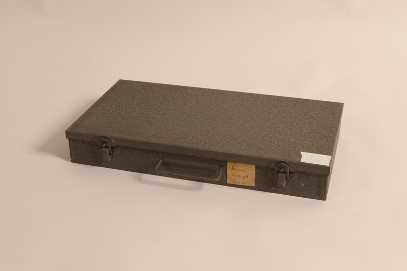2002.312.6 a closed carrying case for slides