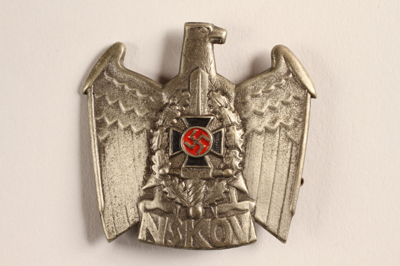 2015.558.3 front Badge found by a US soldier