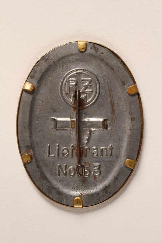 2015.558.6 back Badge found by a US soldier