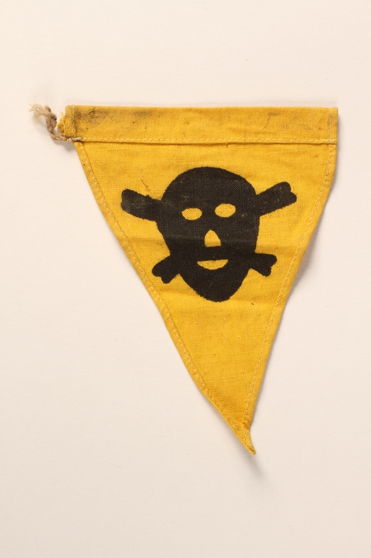 2015.558.10 back Pennant found by a US soldier