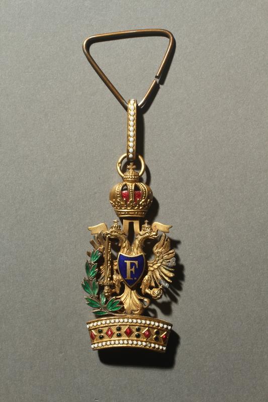 2016.458.4 a back World War I Austrian Order of the Iron Cross medal, ribbon, and presentation box