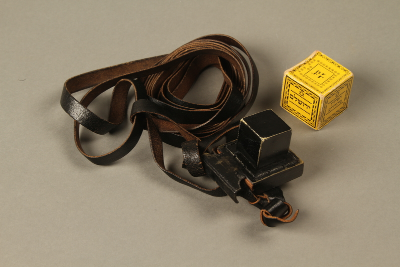 2016.280.1_a-b 3/4 view open Pair of tefillin and pouch owned by a Polish Jewish immigrant